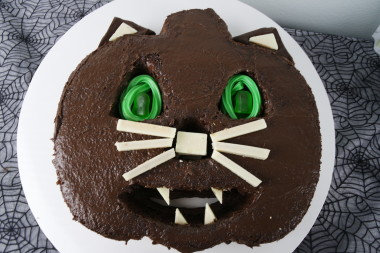 Creepy Cat Cake - Halloween 4